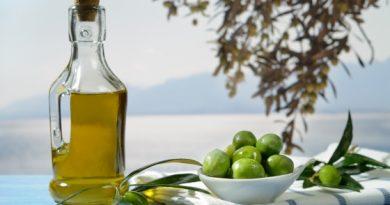Το Λακωνικό παρθένο ελαιόλαδο που κάνει καλό στην διατροφή μας.