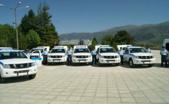 Η Ελληνική Αστυνομία υποστηρίζει το Πυροσβεστικό Σώμα, με προσωπικό και μέσα.