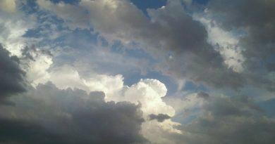 Ο καιρός αλλάζει. Ο Δεκαπενταύγουστος θα έχει βροχές και καταιγίδες.