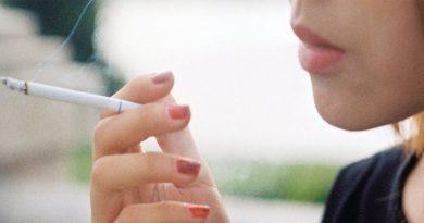 Όσα περισσότερα τσιγάρα καπνίζει κανείς, τόσο αυξάνουν οι θερμίδες που καταναλώνει.