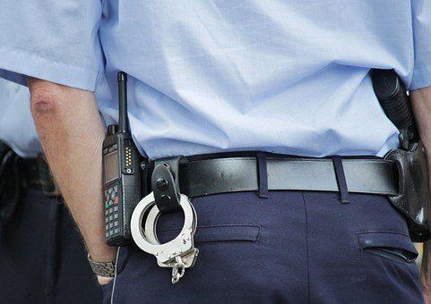 Αχαΐα. Συνελήφθη, από αστυνομικό εκτός Υπηρεσίας, ημεδαπή που αφαίρεσε τμήματα Ιερών Λειψάνων από Ιερό Ναό.