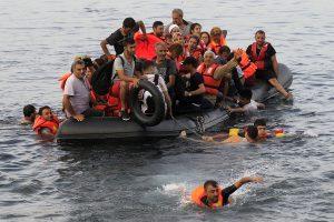 Μετανάστες στα ανοιχτά των Αντικυθήρων.