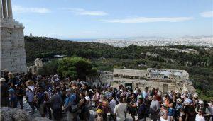 """""""Γέμισαν"""" τα ξενοδοχεία σε Αθήνα και Θεσσαλονίκη, στο 100% οι πληρότητες"""