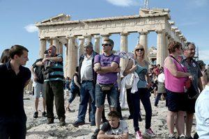 Περισσότεροι από 900.000 Ρώσοι τουρίστες επισκέφτηκαν την Ελλάδα το 2016