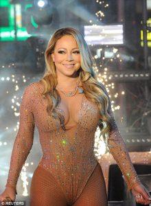 ΤΟ ΑΠΟΛΥΤΟ ΦΙΑΣΚΟ: Η «χειρότερη δεν γίνεται» εμφάνιση της Μαράϊα Κάρεϊ στην Times Square