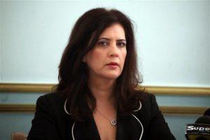 «Πολιτικό «νταβατζηλίκι» προσπαθεί να πουλήσει η κα Φωτίου»