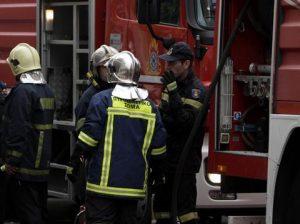 Αθήνα. Εμπρηστική επίθεση στην οδό Ακαδημίας. Στο νοσοκομείο μια Γυναίκα.