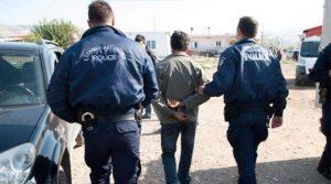 Συλλήψεις για κατοχή όπλων και για καταδικαστικές αποφάσεις στην Μακεδονία.