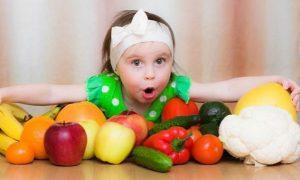 Μάθετε το παιδί σας να τρώει σωστά.