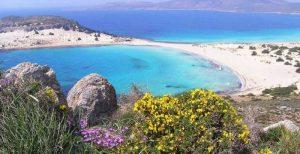Ένα από τα ωραιότερα Ελληνικά νησιά βρίσκεται στην Ν. Πελοποννήσο στην Λακωνία.