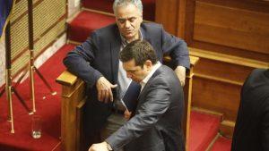 """Με """"δάκρυα"""" στα μάτια θα ψηφίσουν τα νέα μέτρα ΣΥΡΙΖΑ-ΑΝΕΛ"""