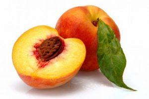 """Διανομή φρούτων από το εργοστάσιο """"Λακωνία¨στις 19-6-2017."""