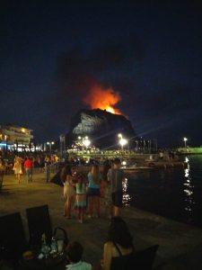 Πυρκαγιά στο κάστρο της Μονεμβασιάς.