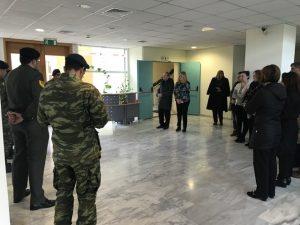 Τα Κάλαντα έψαλλαν στην Αντιπερειφερειάρχη Λακωνία στρατιώτες του ΚΕΕΜ Σπάρτης.