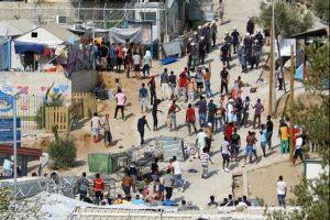 """Επεισόδια μεταξύ λαθρομεταναστών στο """"hot spot"""" της ΒΙΑΛ στην Χίο."""