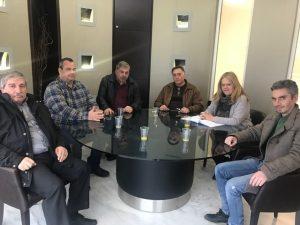 """Συνάντηση της Αντιπεριφερειάρχη Λακωνίας με τον Πρόεδρο και τα μέλη του ΔΣ του Αγροτικού Συνεταιρισμού Επεξεργασίας Εσπεριδοειδών Αμυκλών Σπάρτης """"Λακωνία""""."""