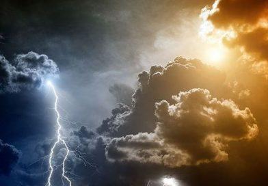 Δύο νεκροί και μεγάλες καταστροφές από την κακοκαιρία – Κατευθύνεται στα Κύθηρα από την Λακωνία