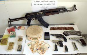 Συνελήφθη 63χρονος για ναρκωτικά και για όπλα στη Λακωνία.