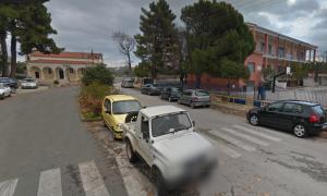 Διερχόμενο αυτοκίνητο παρέσυρε θανάσιμα σκυλί έξω από το Σχολείο Μαγούλας Δ. Σπάρτης.