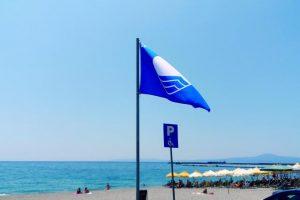 Με λιγότερες Γαλάζιες σημαίες οι παραλίες της Λακωνίας το 2018