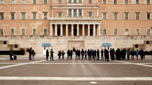 Ξεκίνησε η συζήτηση στην Βουλή για την πρόταση μομφής της Κυβέρνησης από την Ν.Δ.