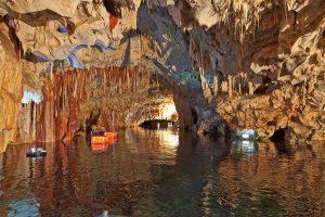 10 πράγματα που πρέπει να ξέρετε για τα Σπήλαια του Διρού στη Μάνη