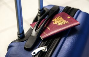 Συνελήφθησαν δύο άτομα, που επιχείρησαν να ταξιδέψουν για Αγγλία με πλαστά έγγραφα, μέσω του Κρατικού Αερολιμένα Καλαμάτας