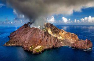 Σαν σήμερα 18 Ιουλίου – εκρήγνυται ηφαίστειο στο νησί Μοντσερράτ της Καραϊβικής αναγκάζοντας του κατοίκους του να το εγκαταλείψουν