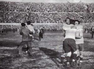 Σαν σήμερα 13 Ιουλίου – ξεκινά στην Ουρουγουάη το 1ο Μουντιάλκαι μαζί και η ιστορία του παγκόσμιου κυπέλλου