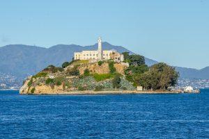 Σαν σήμερα 11 Αυγούστου – καταφθάνουν οι πρώτοι κατάδικοι στις φυλακές υψίστης ασφαλείας του νησιού Αλκατράζ