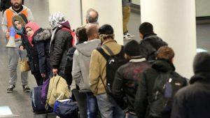 Περι προσφύγων και παράνομων μεταναστών