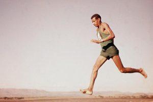 Σαν σήμερα 10 Σεπτεμβρίου – Ο θρυλικός Αιθίοπας μαραθωνοδρόμος Αμπέμπε Μπικίλα κερδίζει το χρυσό μετάλλιο στους Ολυμπιακούς Αγώνες της Ρώμης, τρέχοντας ξυπόλητος
