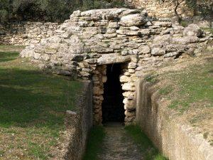 Σαν σήμερα 27 Νοεμβρίου: ανακαλύπτεται βασιλικός τάφος Μυκηναϊκής περιόδου στην Κρήτη