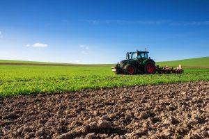 200.000 στρέμματα δίνονται από το κράτος σε αγρότες