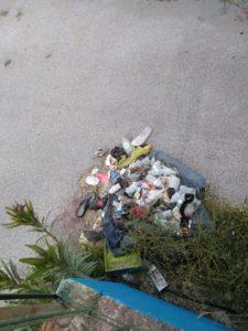 Γεμάτο στα σκουπίδια το γήπεδο Σπάρτης