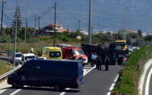 Κλούβα της Αστυνομίας αναποδογύρισε με κρατούμενους στην Κορινθία