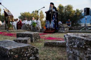 Αρχιερατικός Εσπερινός στην φερόμενη Βασιλική του Οσίου Νίκωνος στην αρχαία Σπάρτη