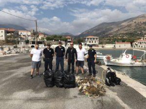 Καθαρισμός του λιμένα Κότρωνα Δήμου Ανατολικής Μάνης.