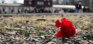 Την πρώτη Μαΐου γιορτάζεται η μέρα των εργατών ,των λουλουδιών και της Άνοιξης