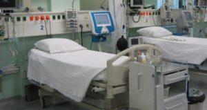 Ξανθός: Αντί για επιστράτευση των ιδιωτικών ΜΕΘ, υποχώρηση στις απαιτήσεις των κλινικαρχών
