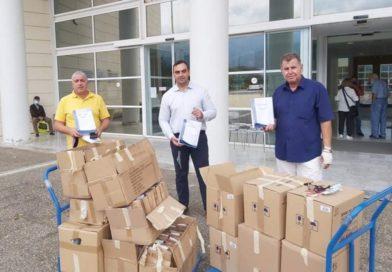 Υλικό προστασίας από την διασπορά του κορονοϊού παρέδωσε η Π.Ε. Λακωνίας στους επαγγελματίες των ταξί