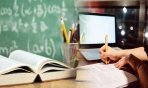 Η τηλ-«εκπαίδευση» δεν είναι εκπαίδευση