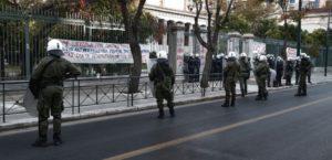 """ΣΥΡΙΖΑ """"πρωτοφανής & χουντικής έμπνευσης απόφαση της κυβέρνησης για περιστολή των συναθροίσεων"""""""