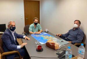 Συναντήσεις Δαβάκη – Τριχείλη στο Υπουργείο Περιβάλλοντος για τα αιολικά πάρκα