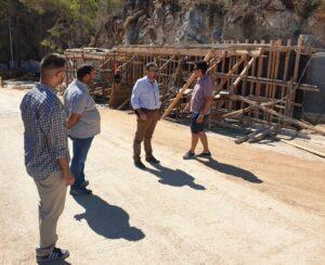 Επιτελικό μπάχαλο στα Σπήλαια Διρού: εργασίες στη μέση της τουριστικής περιόδου